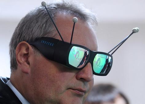 Жёсткий ответ Дмитрия Рогозина Илону Маску: Роскосмос будет выпускать лифты!