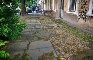 История Одессы в наше время: где можно увидеть старинные тротуары (ФОТО)