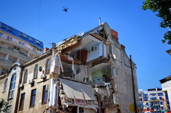 В Одессе обрушился старый дом в Отраде (ФОТО)