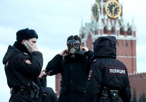 """Россия """"уверенно выходит"""" из эпидемии коронавируса с потерями"""