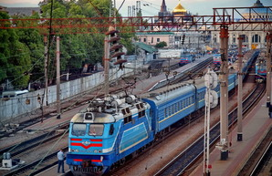 """""""Укрзализныця"""" делает поезд """"Одесса - Киев"""" ежедневным"""