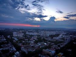 Удивительно красивый закат в Одессе: солнце, облака и птицы (ФОТО, ВИДЕО)
