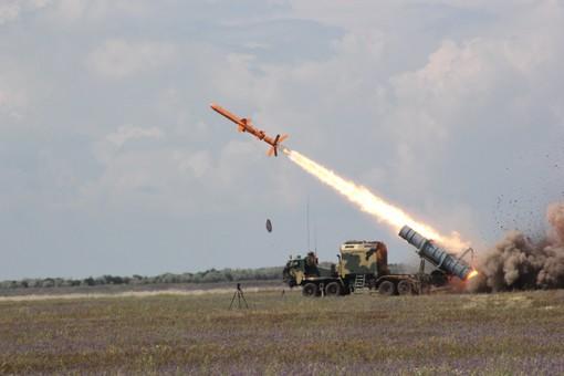 """У побережья Одесской области ракеты """"Нептун"""" впервые испытывали с настоящей боеголовкой"""