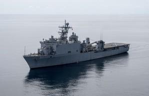 Морские силы США в Черном море усилены десантным кораблем