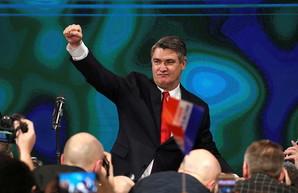 Президент Хорватии спешит на парад в Москву как лемминг к обрыву