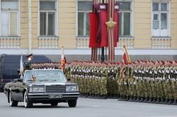 Репетиции парада Победы в РФ проходят с полным игнорированием средств защиты от заражения COVID-19 (фото)