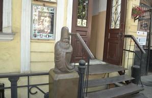 В одесском музее частных коллекций появилась скульптура исполняющего желания китайского божества