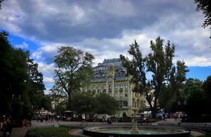 Ураган над Одессой показали на видео
