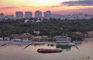 """В Одессе не выполнили указание президента убрать танкер """"Делфи"""" до 20 июля"""
