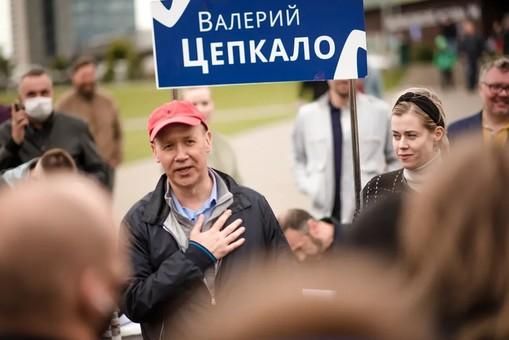 """Странные беларуские """"оппозиционеры"""" ищут убежище в """"демократичной"""" России"""