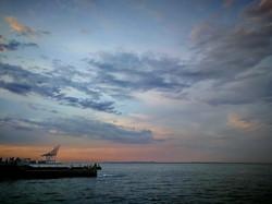 Красивый вечер в Одессе у моря (ФОТО)