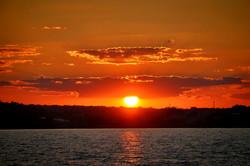 Вечер в Одессе: как заходит солнце над Хаджибеем (ФОТО, ВИДЕО)