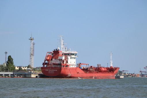 Беларусь получает импортную нефть через Одессу, а не из России