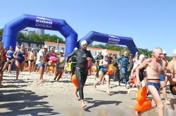 Более 800 пловцов соревновались в море (ФОТО)