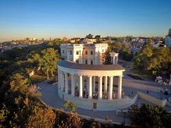 Воронцовскую колоннаду в Одессе передали городскому управлению охраны памятников (ВИДЕО)