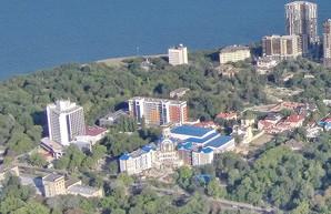 Мэр Одессы требует от Кивалова обеспечить бесплатное обучение детям из льготных категорий в его частной школе