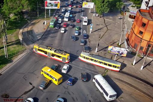 В Одессе не хватает автобусов при работе с карантинными ограничениями