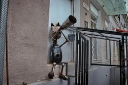 В Одессе появилась оригинальная кошачья скульптура (ФОТО)