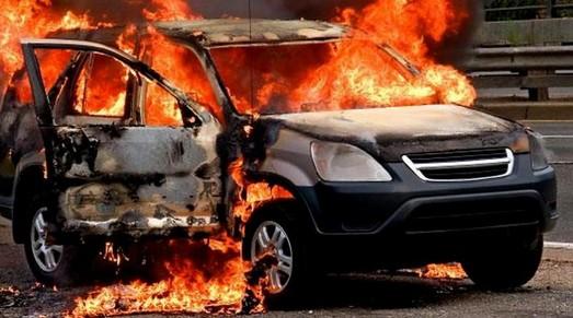 Еще одно предвыборное покушение в Одесской области: в Измаиле сожгли машину кандидата в депутаты облсовета