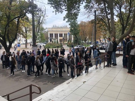 Студенты одесской Юракадемии рискуют свободой ради Кивалова