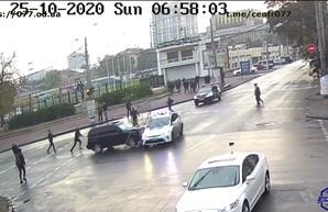 Как в Одессе на улицах бесчинствовал водитель внедорожника (ВИДЕО)