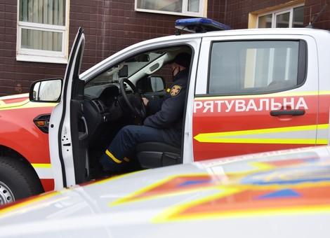 Спасателям Одесской области передали три внедорожника