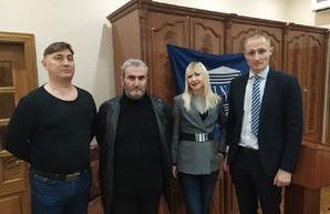 """В Украину подвезли очередных """"борцов с путинским режимом"""""""