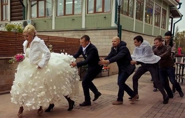 Кому и кобыла невеста...
