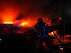 Ночью в Одессе горел склад на Пересыпи