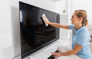 Как правильно вытирать пыль с OLED и LCD телевизора