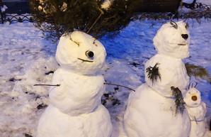 Одесситы лепят снеговиков (ФОТО)