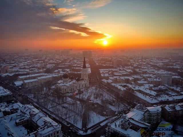 На Одессу и Одесскую область надвигается сильный снегопад (ВИДЕО)
