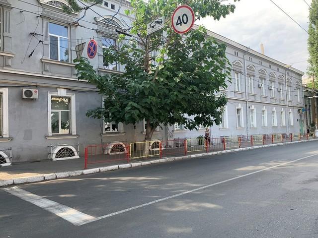 В Одессе могут временно закрыть школу в центре города