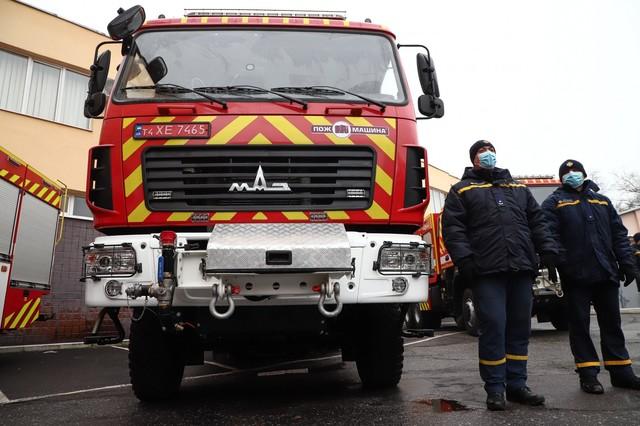 Одесские пожарные получили новую технику по городской программе