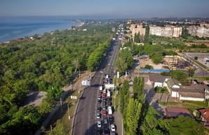 В Одессе собрались увеличивать количество полос на единственной дороге к поселку Котовского