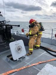 ВМС Украины в море под Одессой проводят учения (ФОТО)