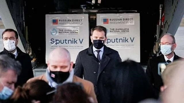 Бойся россиян, вакцину предлагающих: Спутник-V катализирует политические кризисы в мире