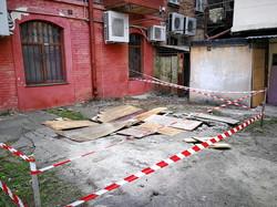 В центре Одессы обваливается огромный подвал старой мельницы (ФОТО)