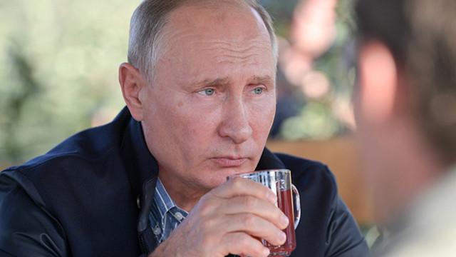 Путин худший пиарщик российской вакцины Спутник-V