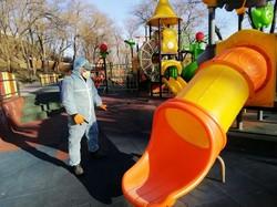 В Одессе дезинфицируют 90 детских площадок каждый день