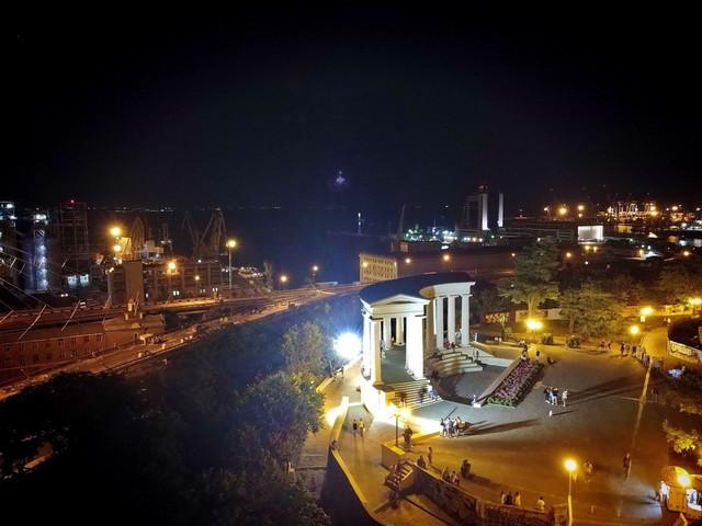 В Одессе даже в выходной день продолжают плановые отключения света
