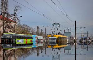 В Одессе утром 1 апреля затопило улицу Балковскую (ФОТО)