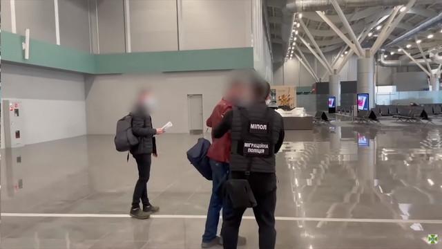 В одесском аэропорту задерживали нелегалов