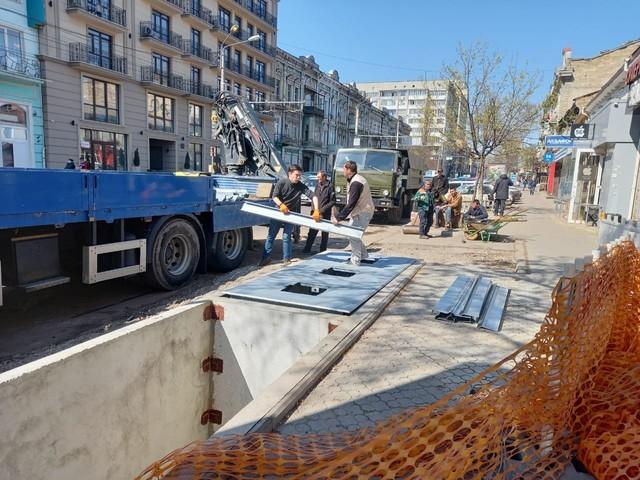 В Одессе ставят еще два подземных комплекса для сбора мусора