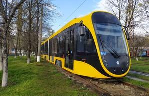 Новый трамвай одесской компании испытывают в Днепре (ФОТО)