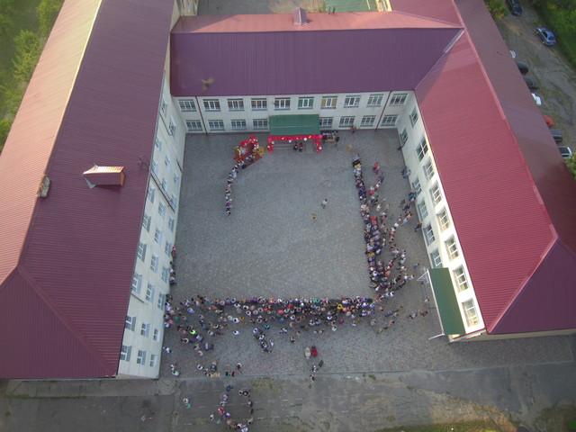 В Одесской области школы закончат учебный год без линеек и последних звонков