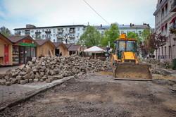 В центре Одессы реставрируют старую мостовую (ВИДЕО)
