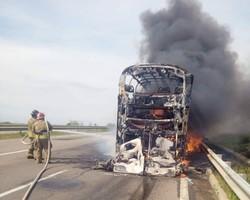 На трассе Одесса - Киев сгорел пассажирский автобус