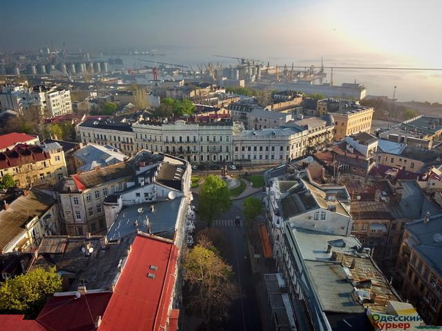 В Одессе окончательно решили сделать пешеходными Екатерининскую площадь и улицы в центре