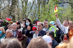 В Одессе отметили день Победы: с возложением цветов и драками (ВИДЕО)